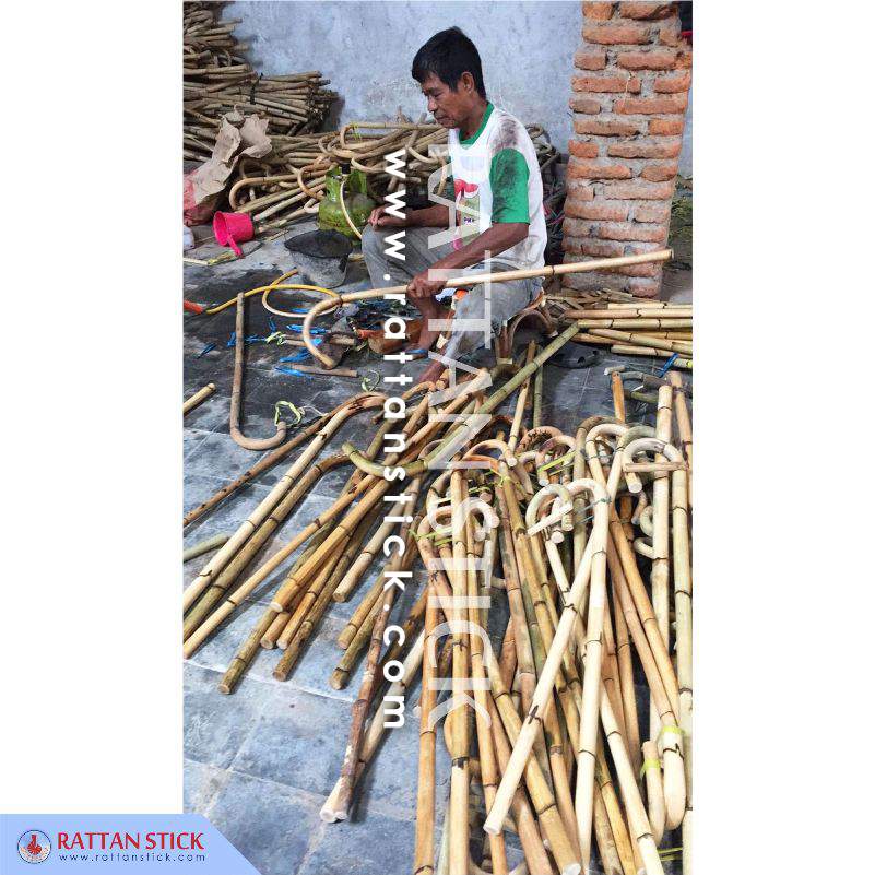 Rattan walking sticks production